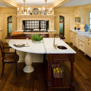 Traditional Kitchen Ideas   Kitchen   Traditional Kitchen Idea In  Bridgeport With A Farmhouse Sink,