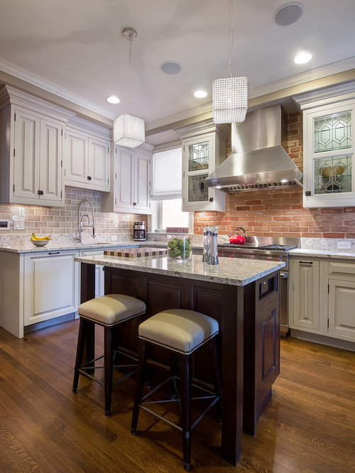 Small kitchen island design ideas remodel pictures houzz for Kitchen design houzz
