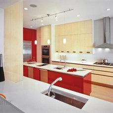 Modern Kitchen by Palmer Todd