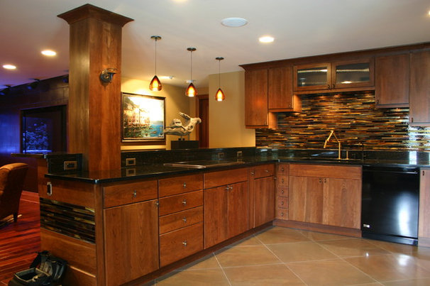 Traditional Kitchen by Vinewood Custom Builders Inc.