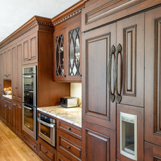 Traditional Kitchen by Kitchen Associates