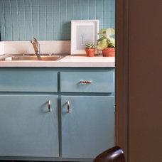 Contemporary Kitchen by Shagreene