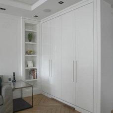 Contemporary Kitchen by TLA Studio
