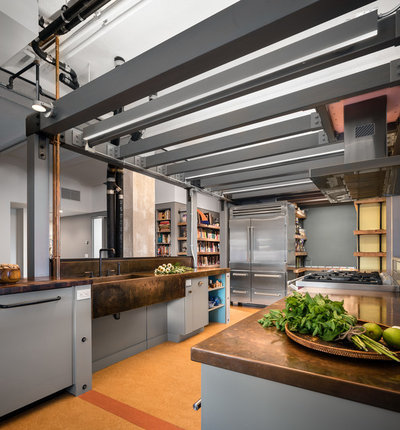 Industrial Kitchen by TOLA architecture