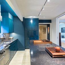 Contemporary Kitchen by Drew McGukin Interiors @drewmcgukin
