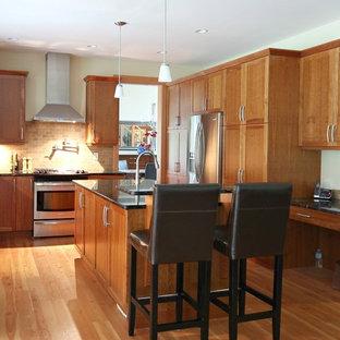 Cherry and Granite Kitchen