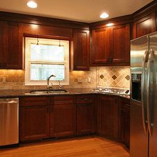 Traditional Kitchen by 21st Century Building Company