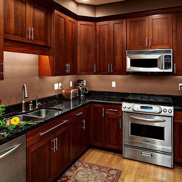 Cherry Kitchen Cabinets   Rockford Door Style   CliqStudios