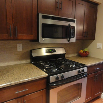 Cherry Kitchen Cabinets | Shaker Cabinetry | CliqStudios