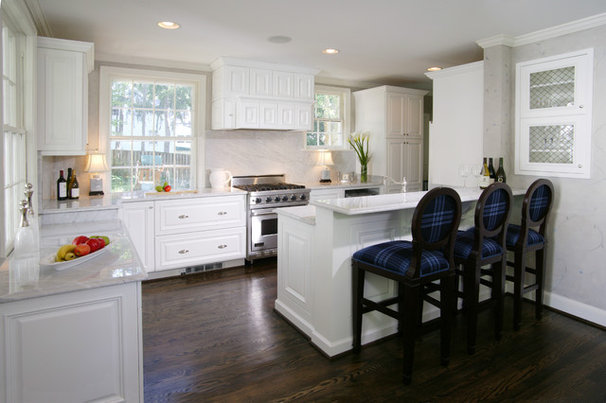 Traditional Kitchen by Commonwealth Home Design