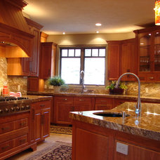 traditional kitchen by Denise Glenn Interior Design