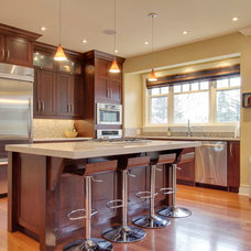 Transitional Kitchen by NEXS Cabinets Inc.