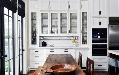 New Black-and-White Kitchen Honors Its Traditional Roots
