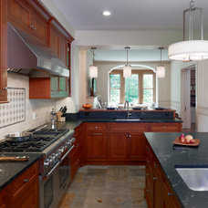Traditional Kitchen by Bluebell Kitchens