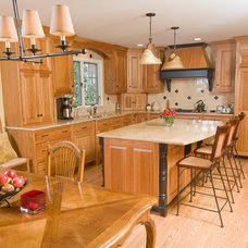 Traditional Kitchen by R. Craig Lord Construction Company, Inc.