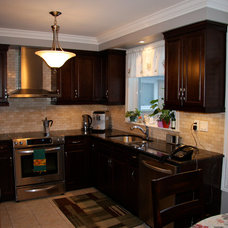 Traditional Kitchen by Alliston Home Hardware Building Centre