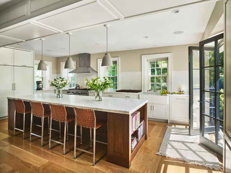 Transitional Kitchen by Rasmussen / Su Architects