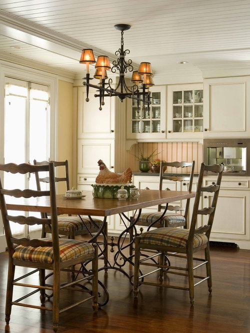 Example Of A Classic Eat In Kitchen Design Boston