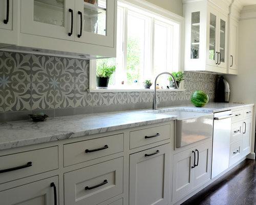 k chen mit k chenr ckwand aus zementfliesen ideen bilder. Black Bedroom Furniture Sets. Home Design Ideas