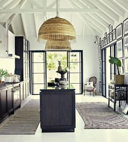 kolonialstil k chen mit blauen schr nken ideen bilder. Black Bedroom Furniture Sets. Home Design Ideas