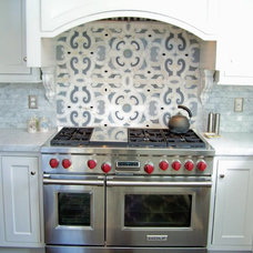 Traditional Kitchen Cabinetry by Rojahn Custom Cabinetry