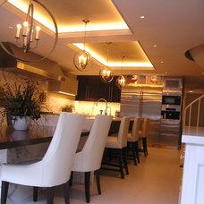 Modern Kitchen by Modern Millwork Innovations
