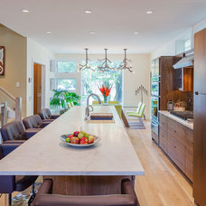 Contemporary Kitchen by Kipnis Architecture + Planning