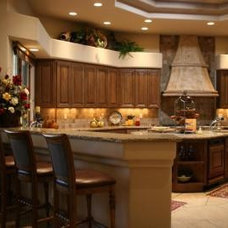 Mediterranean Kitchen by Chimera Interior Design