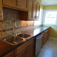 Traditional Kitchen by mike foti