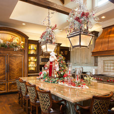Traditional Kitchen by Regina Gust Designs