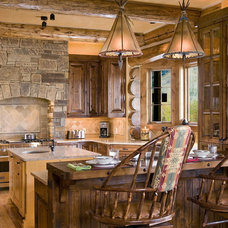 Rustic Kitchen by B&B Builders
