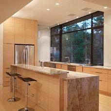 Modern Kitchen by Prentiss Architects