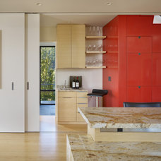 Modern Kitchen by Prentiss Architects