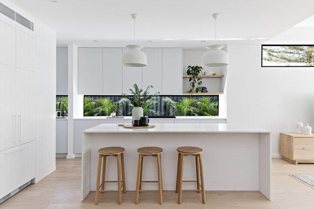 Contemporary Kitchen by Futureflip