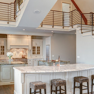 Traditional kitchen photos - Example of a classic kitchen design in Portland Maine