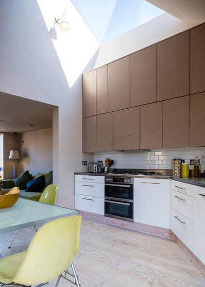 Contemporary Kitchen by Mikhail Riches