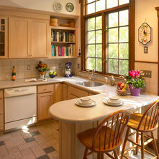 Craftsman Kitchen by Out of the Woods Construction & Cabinetry, Inc.