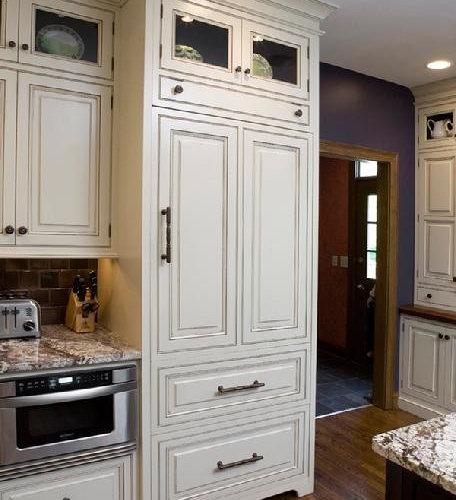 Cincinnati Kitchen White And Dark Cabinets