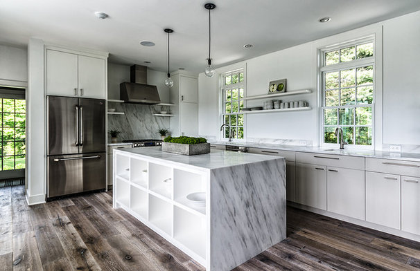 Farmhouse Kitchen by Blansfield Builders, Inc.