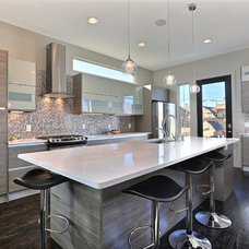 Contemporary Kitchen by Viridis Design Studio, Inc.