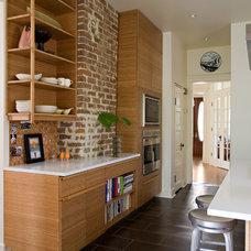 Contemporary Kitchen by studioWTA