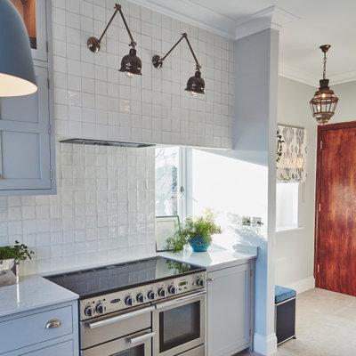 モダン キッチン by Claudia Dorsch Interior Design Ltd