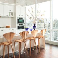 Contemporary Kitchen by amanda nisbet