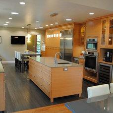 Modern Kitchen by Giulietti Schouten Architects