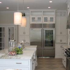 Kitchen by CJB DESIGNS LLC