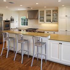 Contemporary Kitchen by Texas Construction Company