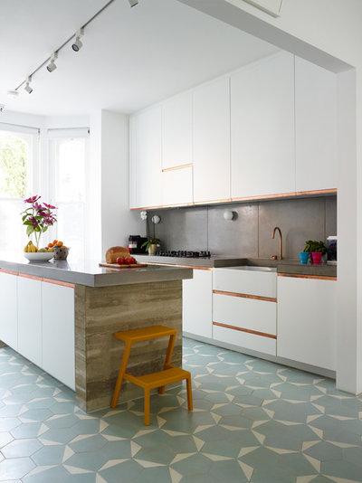 コンテンポラリー キッチン by Haus Concrete Surfaces