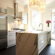Modern Kitchen by Melissa Miranda Interior Design