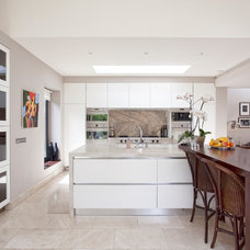 Contemporary Kitchen by STYLE it Interiors
