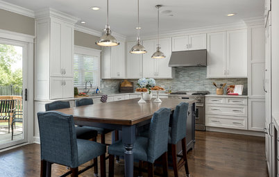 Island Dining Makes This Kitchen Feel Like Home
